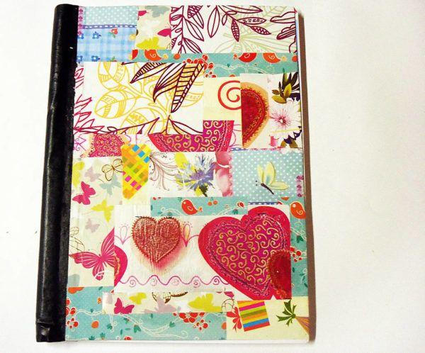 Não é fácil comprar cadernos na volta às aulas. Os filhos sempre querem o caderno do seu personagem favorito (que é caríssimo) e os cadernos mais baratos não agradam. Que tal fazer uma capa de caderno com cara de patchwork a partir de colagens? É...