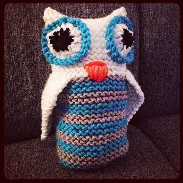 Loom knitted owl by @luana_demelza