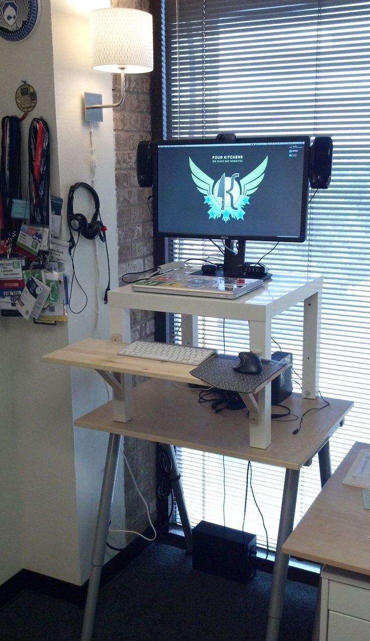 Diy ikea standing desk - The Finished 20 Dollar Ikea Standing Desk