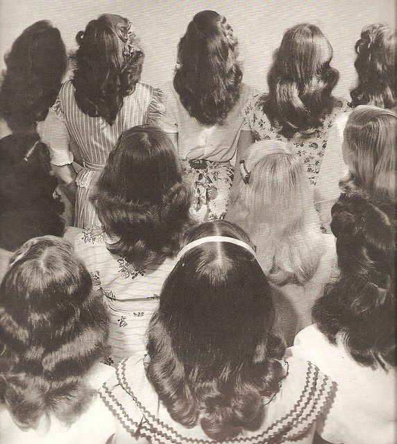 One from my own archives - backs of vintage hairdos.: Shoulder Length Hairstyles, Teen Hair, Retro Hair, Vintage Hair, Schools Hairstyles, 1940S Hairstyles, Girls Hairstyles, Hair Style, 1950