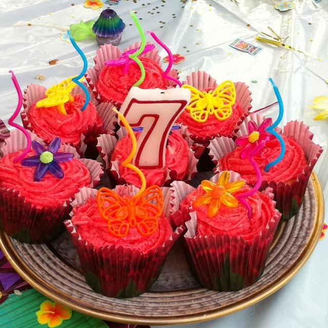 Luau Birthday Cupcakes