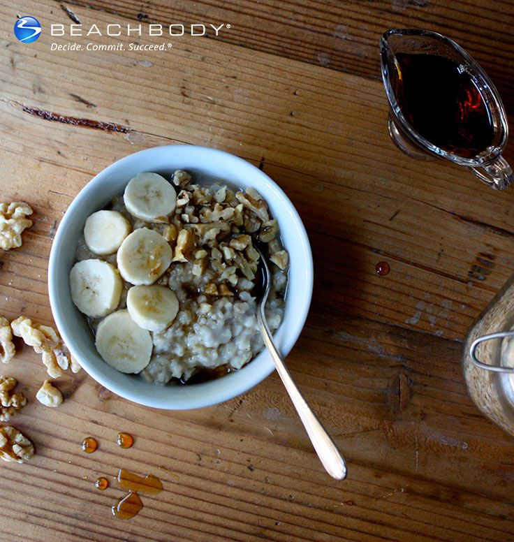 Every bite of this oatmeal has the sweet flavor of banana and maple, and crunchy walnuts. #banana #breakfast #nuts #oatmeal #oats #recipes #vegetarian #walnut