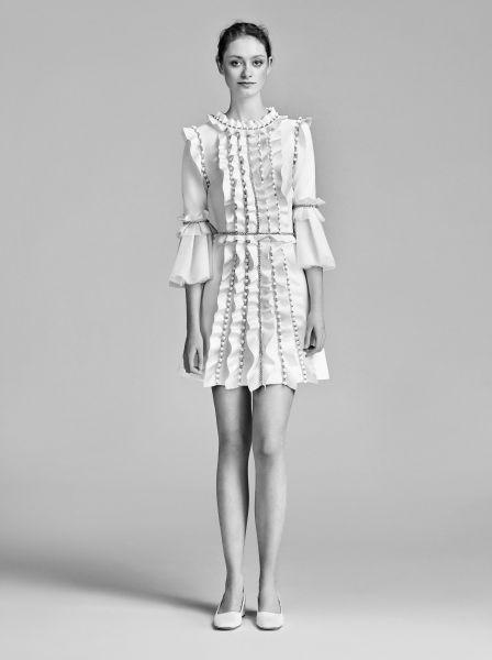 Vestidos de novia cortos: diseños que te enamorarán. ¡Elige el tuyo! Image: 25