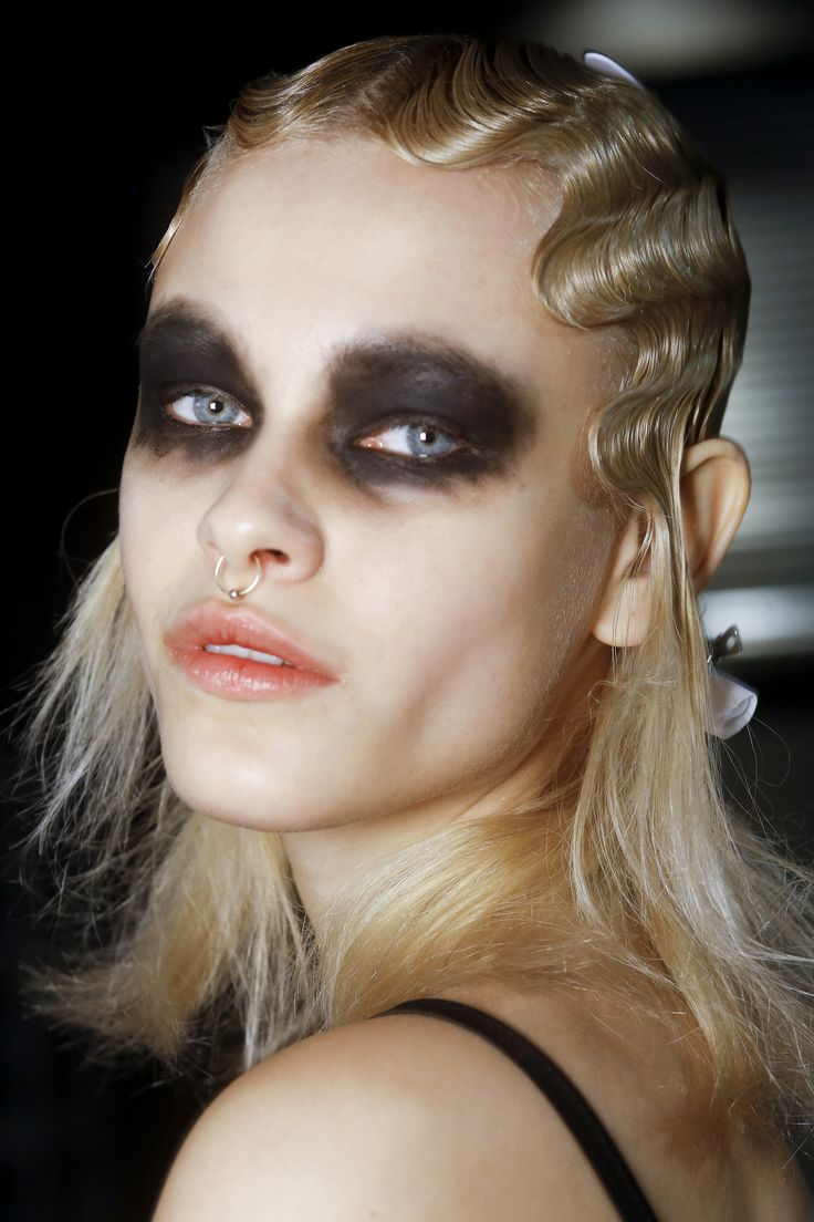 1078 Best Catwalk Hair Make Up Images On Pinterest Make Up Looks Hair Art And Hair Dos