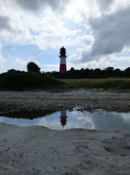 Der Leuchtturm im Spiegel, Falshöft - Foto: S. Hopp