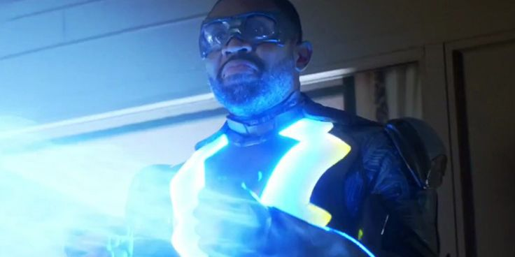 Black Lightning Showrunner on Arrowverse Differences & Possible Crossover