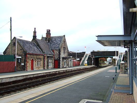 Burscough Bridge railway station 1.JPG