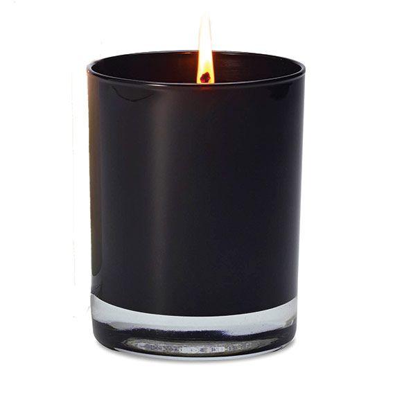 Fragrance Tempt : Une irrésistible envie de chocolat noir relevé d'un trait de liqueur d'orange.