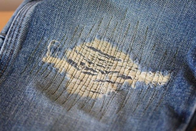 fix a hole in jeans, it even looks cute: Secret Blog, Holey Jeans, Patching Jeans, Patching Holes, Holy Jeans, Patch Jeans, Kid