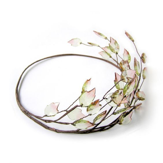 Leaf Crown, Leaf Headpiece, Head Wreath, Woodland Wedding, Rustic, Wedding Hair Accessories.  Love it!