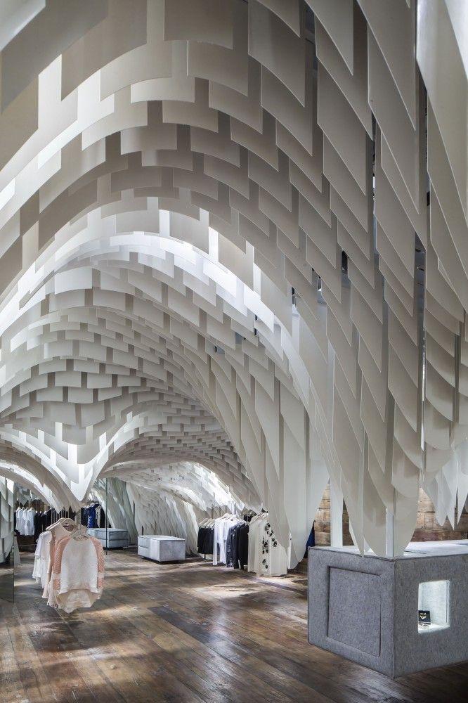 Amazing use of texture and light! SND Fashion Store / 3GATTI #architecture #interiors #design