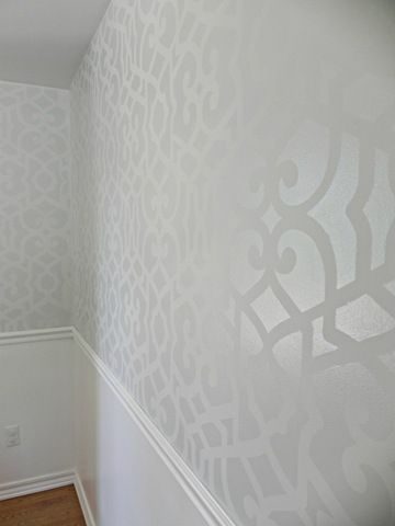 Stenciled wall with matte under semi gloss 1 shade difference- LOVE this!
