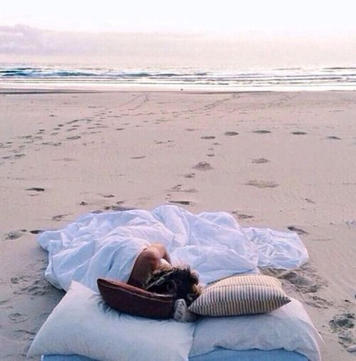 Beach bed | In need of a detox? Get your Teatox on with 10% off using our discount code 'Pinterest10' on www.skinnymetea.com.au X