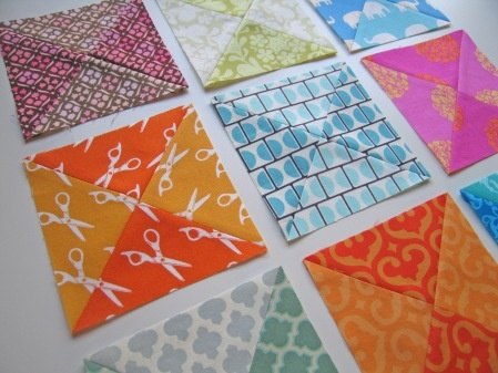 dual-toned quilt blocks, where the effect was created by  bleaching half of the fabricPrints Fabrics, Quilt Block, Cute Ideas, Bleach Half, Altered Prints, Cool Ideas, Quilt Fabrics, Modern Quilt, Altered Fabrics