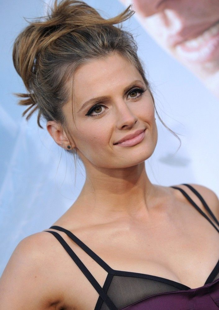 Hair inspiration: Stana Katic at the 'Elysium' Premiere in Los Angeles, California - 2013