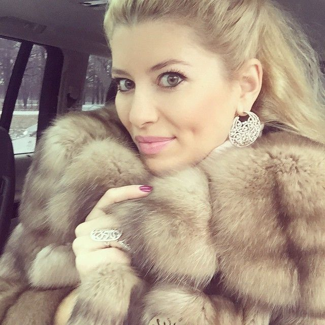 Pin ό ή Haute Acorn Fur Coats And Accessories