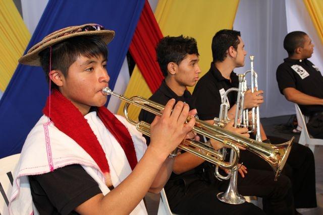 Las primeras notas del Himno Nacional.  Crédito Miltón Ramírez/MinCultura 2012