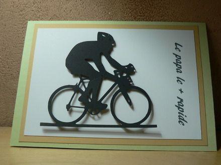 Cette carte fête des pères vélo en scrapbooking est réalisée au format 10X15cm. Le fond double volet est en papier vert surmonté d'un papier couleur kraft. Une silhouette d - 9139643