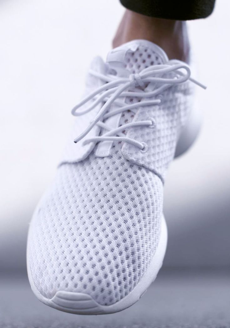 NIKE Roshe Run All White #rosherun #sneakers #clean