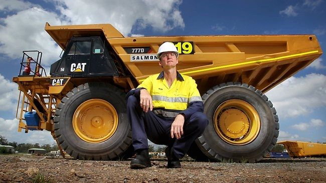 Dump Truck #Jobs: Everything you need to know about this career in #construction