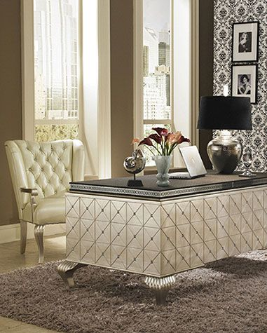 An absolutely Fabulous Office.....I want this desk