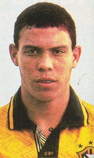 Ronaldo w młodości, czyli Brazylijczyk Ronaldo w 1994 roku • Kto by pomyślał, że zrobi taką Wielką karierę w piłce nożnej • Zobacz #ronaldo #football #soccer #sport #sports #futbol #pilkanozna