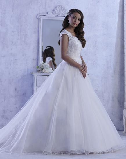 Win Your Wedding Dreamweddingdress Choose Dream From Three Stunning And