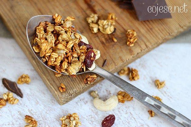 Zaskakująco pyszna granola bananowa z dużymi kawałkami czekolady | Zdrowe Przepisy Pauliny Styś