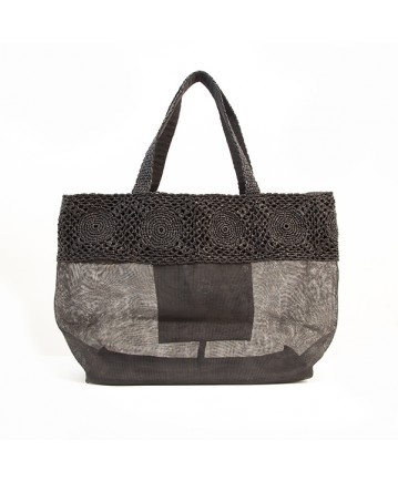 RAVE #bag (pic 5) | Realized with #recycled #plastic and a black layer of #retrieved #net. #Casual and #elegant. L34xH36xW19cm