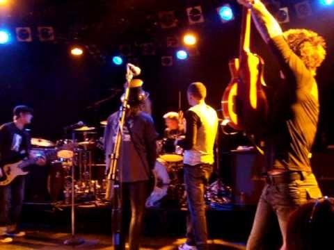"Chester Bennington and Slash ""Whole Lotta Love"" W/Camp Freddy Dec9th2008 - YouTube"