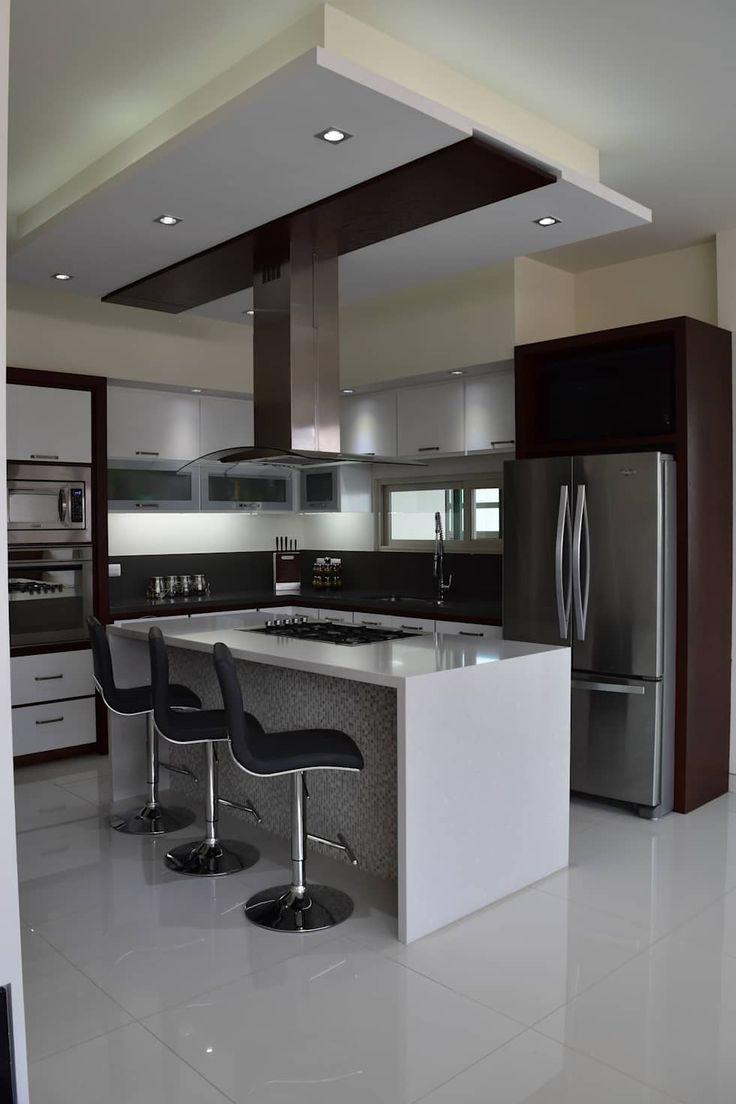 Casa los cerezos cocinas de estilo moderno por arketipo for Cocina estilo moderno