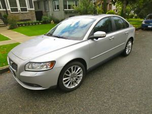 2010 VOLVO S40 LEATHER AUTOMATIC FULLY-LOADED for sale in Vancouver, British Columbia  http://cacarlist.com/volvo/2010-volvo-s40-leather-automatic-fully-loaded_20651-21762.html