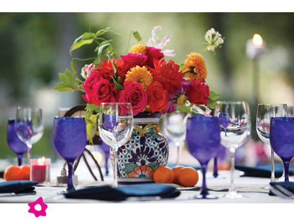Centro de mesa para boda mexicano con base de talavera for Azulejos estilo mexicano