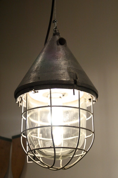 Industriële hanglamp. #lamp #light