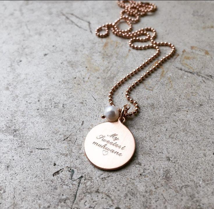 ID tag i 14 karat forgyldt rosa guld med perle, inklusiv personlig gravering