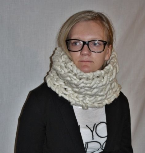 knitted cowl in fat&fluffy merino, super bulky yarn and knit   worldwide shipping online shopping! www.min-design-strikk.no