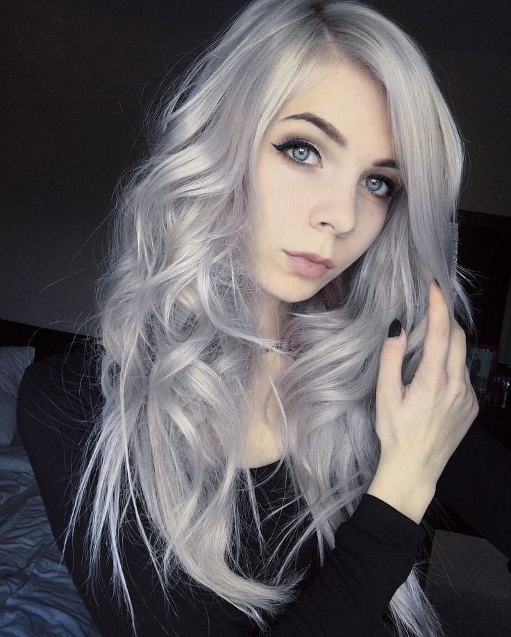 Long wavy silver dyed hair by annrossiel