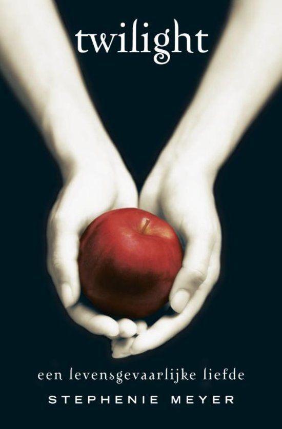 Als Bella Swan naar het regenachtige Forks verhuist en de mysterieuze en aantrekkelijke Edward Cullen ontmoet, neemt haar leven een spannende wending.  Edward, met zijn krijtwitte huid, gouden ogen en betoverende stem, is zowel onweerstaanbaar als ongenaakbaar. Tot nu toe heeft hij zijn ware identiteit verborgen weten te houden, maar Bella is vastbesloten achter zijn geheim te komen.