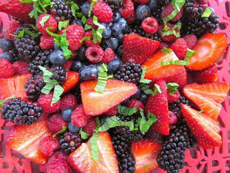 Fredge's Christmas Berry Fruit Salad