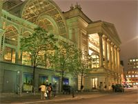 Royal Opera House - London There are performances of the opera or ballet nearly every evening and tours of the opera house every day. The towering Floral Hall is now a restaurant where once the girls sold flowers and the aristocracy held glorious parties.