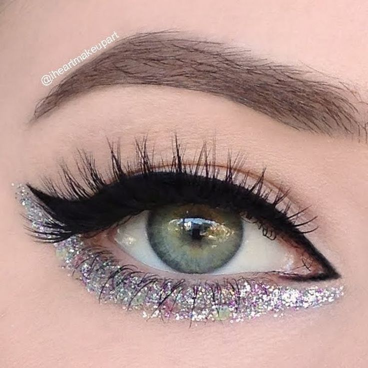 Be your own runway model and recreate Preen.Me #MUA Ashleigh A's Chanel Runway inspired look with her top picks here.