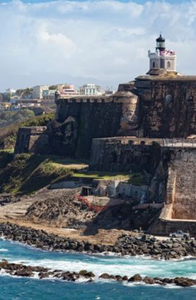 El Morro in San Juan, Puerto Rico. For 5$ you can roam around this historic gem! Take breathtaking photos on the top of El Morro fort or see what it was like for the unlucky prisoners held deep within the bowels of this magnificent  beast.