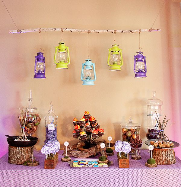 i want to do a camping themed party for my boys and this is so cute. this one is a camping party for a girl, but such great decorating ideas.