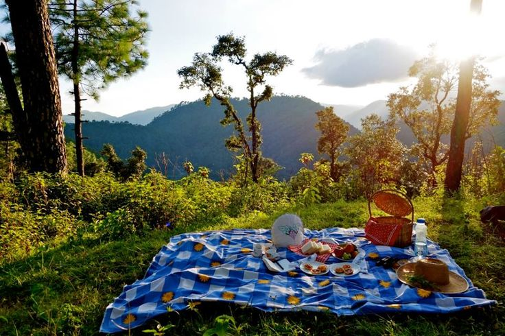 If you want to have a #picnic with your friends on a hill station, #Bhimtal could be one of the best picnic spots.