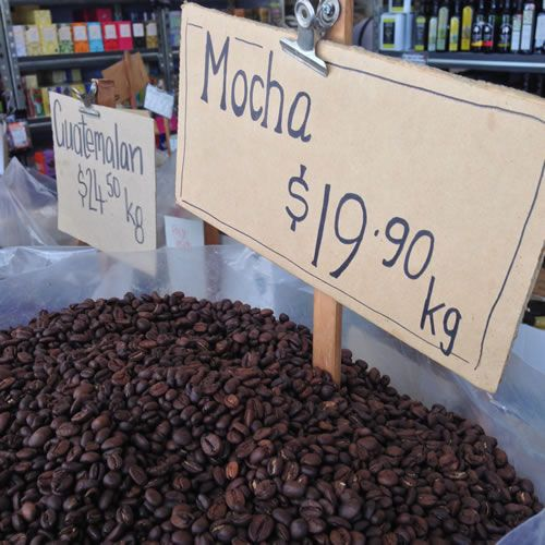 Fremantle Food and Drink - shopping for coffee beans in Kakula's Sister, Fremantle, Western Australia