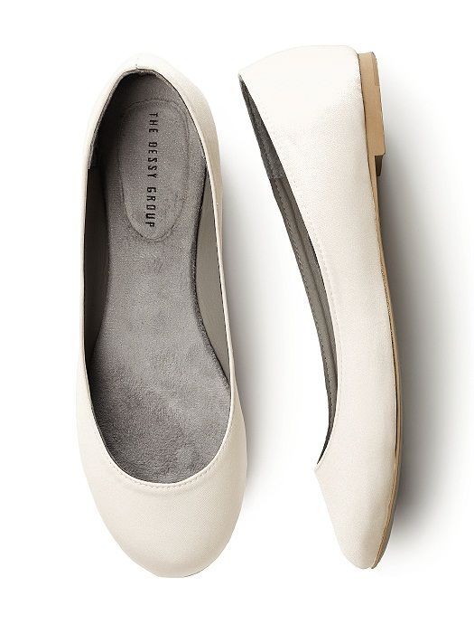 Simple satin ballet flats in  bridal white, ivory and all of our most popular bridesmaid colors. Pairs perfectly with our new interchangeable shoe clips.  An elegant shoe to wear all day or change into for dancing. These shoes are not meant to be dyed. Shoes runs true to size.  http://www.dessy.com/accessories/simple-satin-ballet-flat/