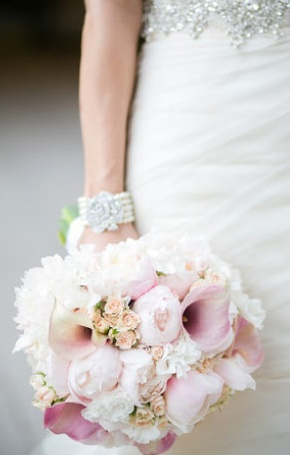 bouquet with pink peonies and calla liilies..would be perfect with some plum flowers added for Annelises bridal bouquet