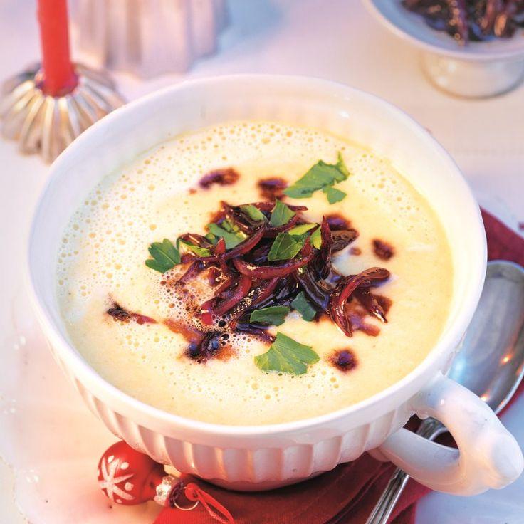 Parmezaanse kaassoep met balsamico-uien | Gezonde Recepten | Weight Watchers