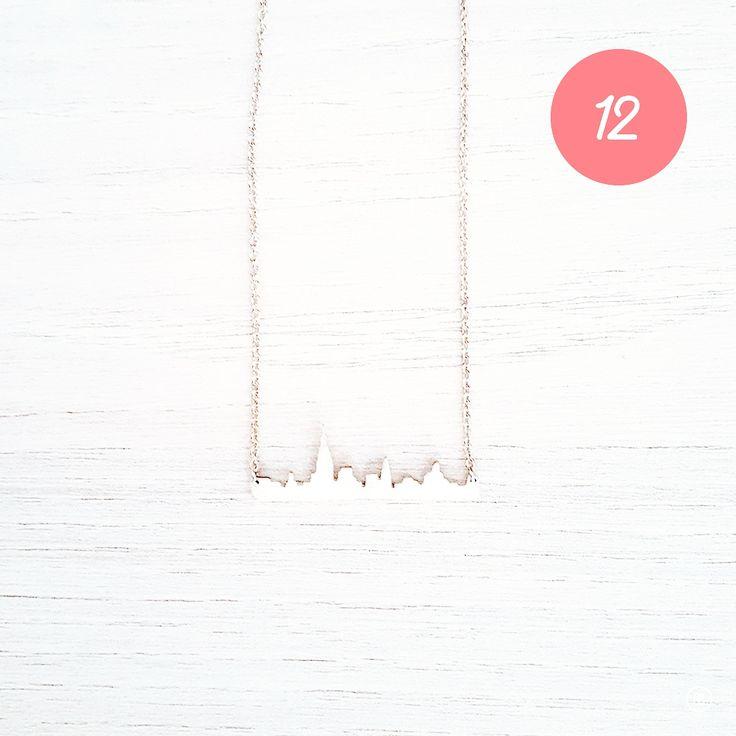 CHRISTMAS GIFT #12 Un joli collier pour sa tenue du réveillon  #ideecadeau #giftidea #cadeaudenoel #christmasgift #lastminutegift #collier #necklace #bijou #silver #argent #skyline #manhattan #newyork #blog #alinaerium