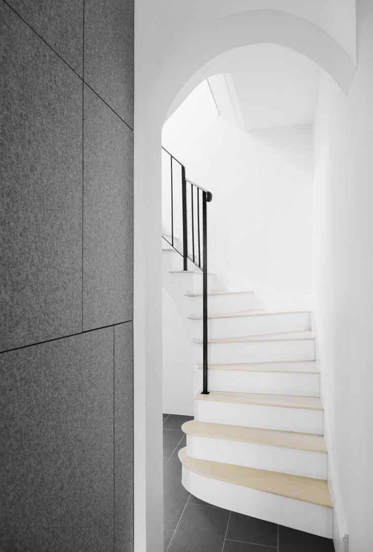 Stairs   Komyuniti Wellness   71 Gertrude Street Fitzroy 3065 VIC Australia   03 9995 8880   info@komyniti.com.au